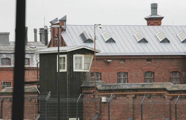 - Ilman muuta tarvitsisimme enemmän henkilökuntaa, Helsingin vankilan johtaja sanoo.