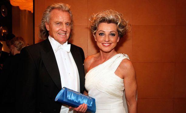 Elomaat ovat olleet naimisissa 37 vuotta. Kuva Linnan juhlista vuodelta 2011.
