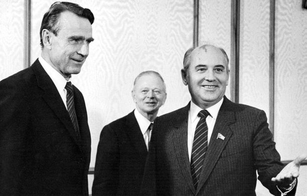 Mauno Koivistolla ja Mihail Gorbatshovilla oli läheiset suhteet, ja he kirjoittelivat toisilleen ahkerasti.