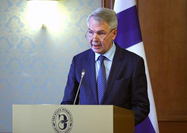 Ulkoministeri Haavisto pääsi isännöimään Turkin ulkoministeriä torstaina Helsingissä.