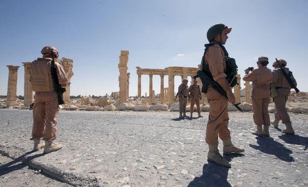 Venäjä on sotilaallisesti vahvasti läsnä Syyriassa. Arkistokuva venäläissotilaista Palmiran kaupungissa toukokuussa 2016.