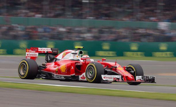 Kimi Räikkönen ajoi Silverstonessa viidenneksi.