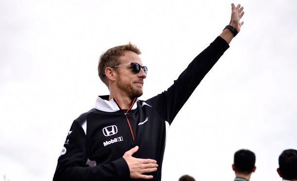Jenson Button haluaisi lyhentää kisoja.