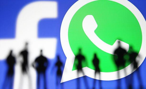Whatsappin uudistetut käyttöehdot ovat herättäneet kummastusta.