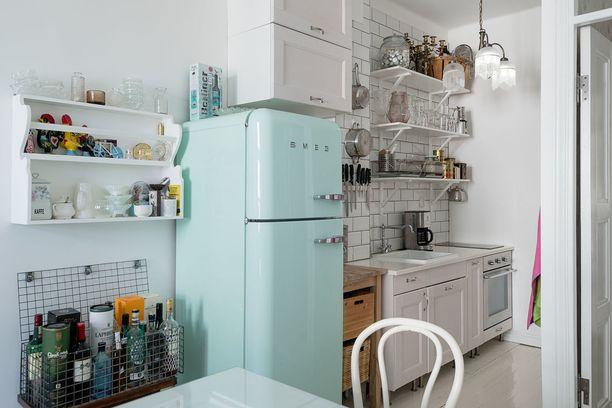 Mintunvihreä tai muu räväkän värinen jääkaappi kiinnittää takuulla huomion.