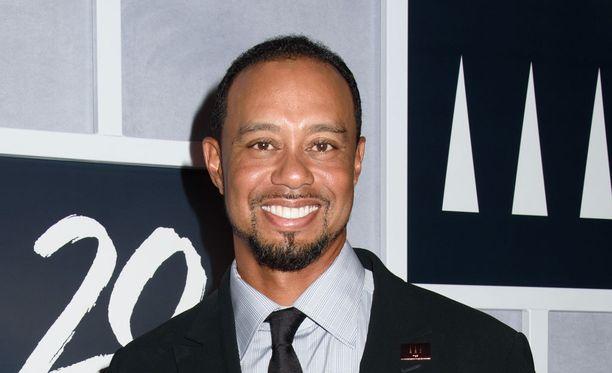 Tiger Woods ilman pukin roippeita.