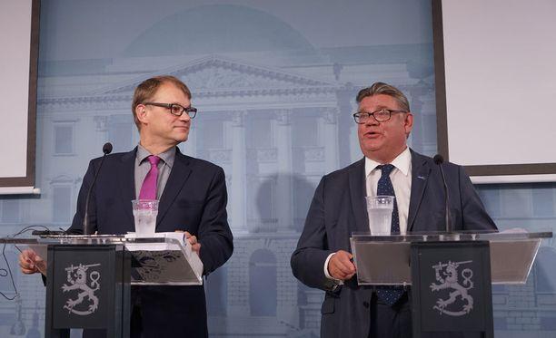MTV3:n Politiikan korjaussarja -ohjelmassa kerrottiin, että pääministeri Juha Sipilä oli valmis heittämään Timo Soinin ulos hallituksesta.