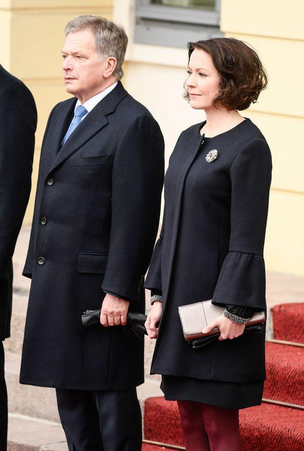 Presidentti Sauli Niinistö ja rouva Jenni Haukio järjestävät illalla Mäntyniemessä juhlaillallisen prinssin vierailun kunniaksi.