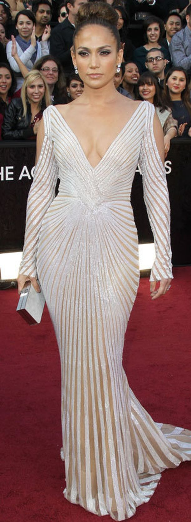 Tähän iltapukuun hän pukeutui vuoden 2012 Oscar-gaalaan...