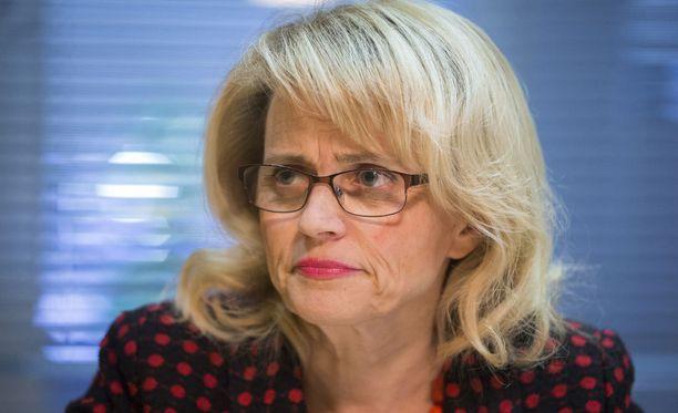 Kansanedustaja Päivi Räsänen kummastelee kirkon päästöstä osallistua Prideen Helsingissä.
