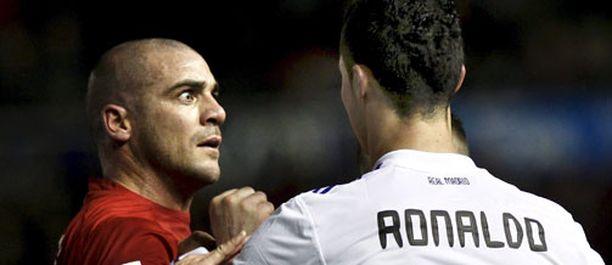 Walter Pandiani (vas.) ja Cristiano Ronaldo ottivat yhteen sunnuntaina.
