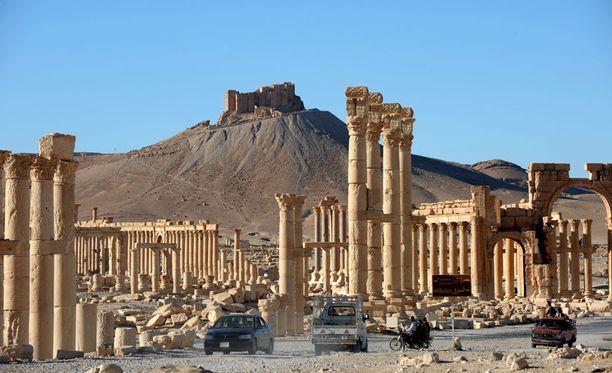 Palmyran maailmanperintökohteesta rosvottuja muinaisesineitä myydään kovalla hinnalla Eurooppaan.