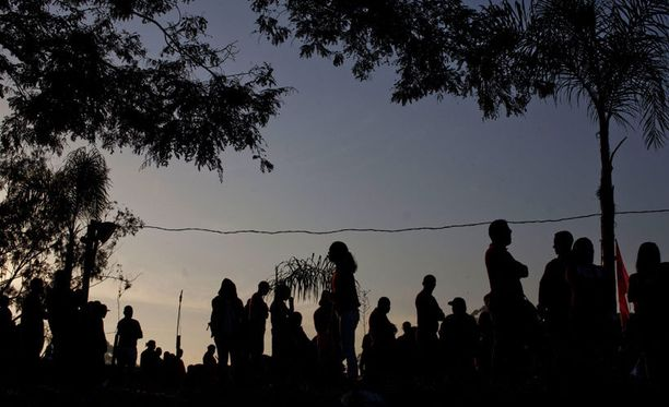 2800 koditonta on vallannut alueen neljän kilometrin päässä São Paulon Corinthians Arenasta. Paikan nimi on Copa del Pueblo.