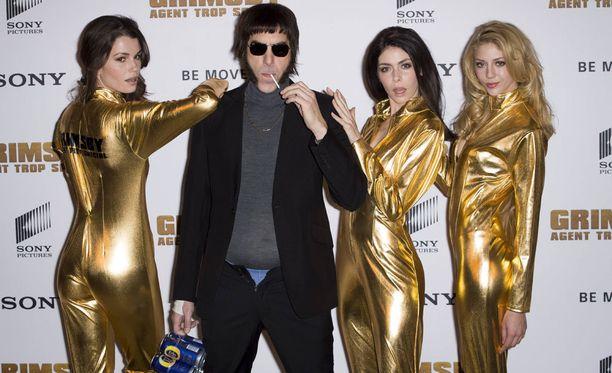 Sacha Baron Cohen eläytyi rooliinsa asua myöten.