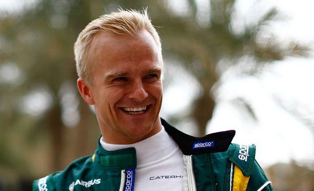 Heikki Kovalainen kiitteli Air Asian henkilökuntaa.