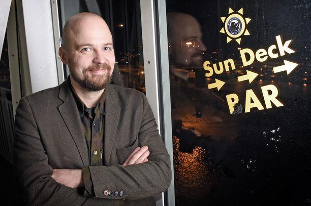 Kansanedustaja Mikko Kärnä keskustan presidentti- ja maakuntaristeilyllä lokakuussa 2017.