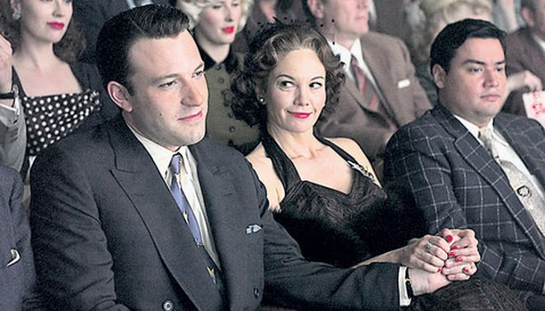 Rikasta rouvaa näyttelevä Diane Lane rakastuu tv-tähteen.
