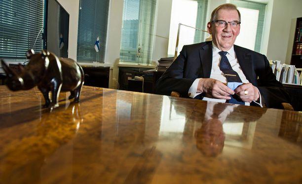 Tiitisen lista on saanut nimensä entisen Supon päällikön Seppo Tiitisen mukaan. Sittemmin Tiitinen toimi eduskunnan pääsihteerinä.
