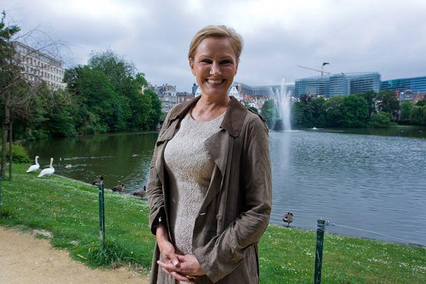 Eija-Riitta Korhola muistetaan vasemmistoryhmän apulaispääsihteerin mukaan täysin muista kuin poliittisista avuistaan.