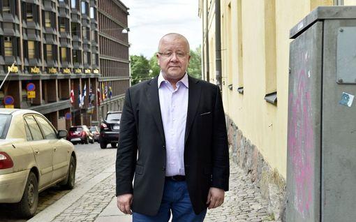 """60 vuotta täyttävä meteorologi Juha Föhr käänsi selkänsä politiikalle: """"Asiat ovat huomattavan monisyisiä"""""""