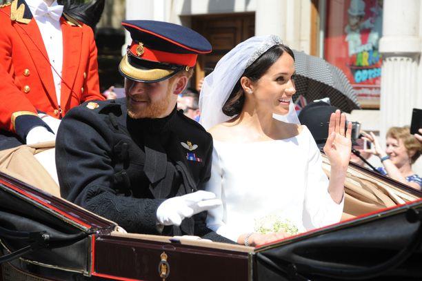 Prinssi Harry ja herttuatar Meghan saivat toisensa aurinkoisena iltapäivänä keväällä 2018.