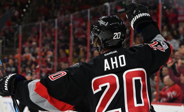 Sebastian Ahon otteet ovat ihastuttaneet NHL:ssä.