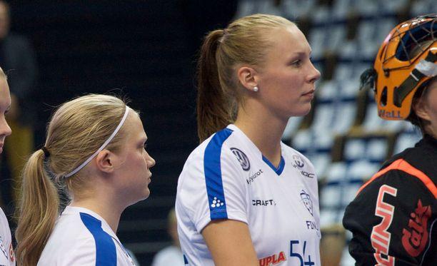 Mira Wickman (oik.) kuului viime joulukuussa Slovakiassa MM-hopeaa voittaneeseen Suomen maajoukkueeseen.