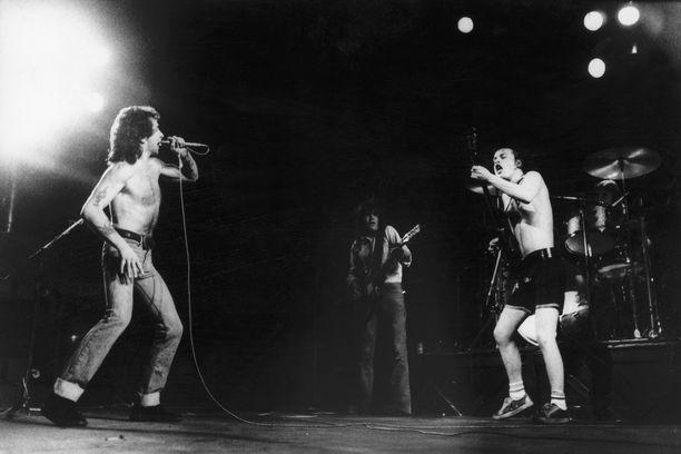 AC/DC keikalla 70-luvulla.