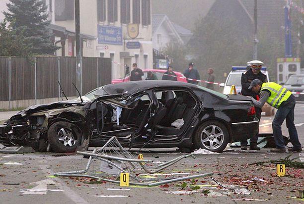 Haiderin virka-auto romuttui pahoin onnettomuudessa.