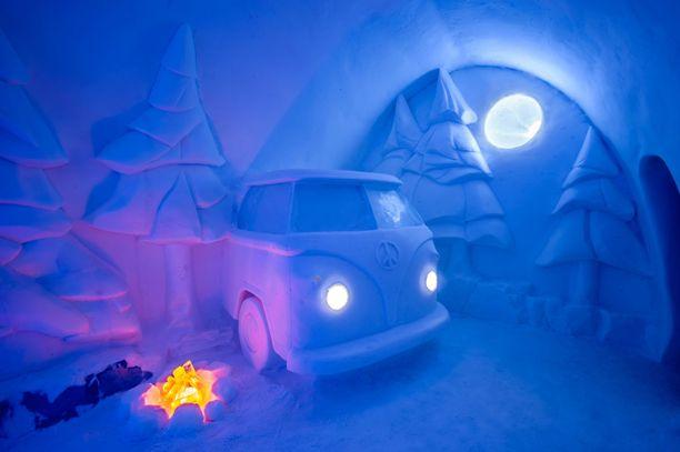 Ruotsin Jukkasjärven jäähotellin teemana on tänä talvena luonto. Spruce Woods -sviitti on kanadalaiskaksikko Christopher Pancoen ja Jennie O'Keefen suunnittelema. Sen vieraat voivat vaikkapa istuskella jäästä tehdyn nuotion hehkussa.