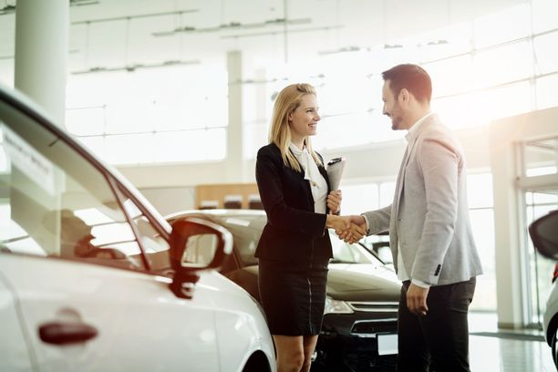Automyyjien kokemukset asiakkaista vaihtelevat huomattavasti.
