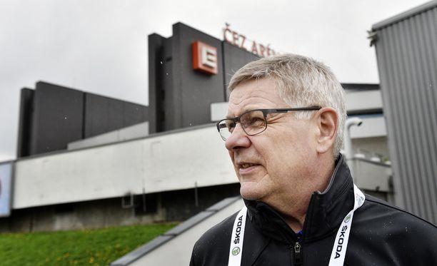 Kari Savolainen toimi Leijonien joukkueenjohtajana 2015 ja 2016 MM-kisoissa.
