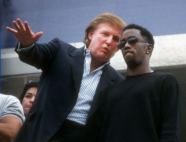 Donald Trump (vas.) toi myös räppäri Puff Daddyn seuraamaan tenniksen US Openia syksyllä 1997.