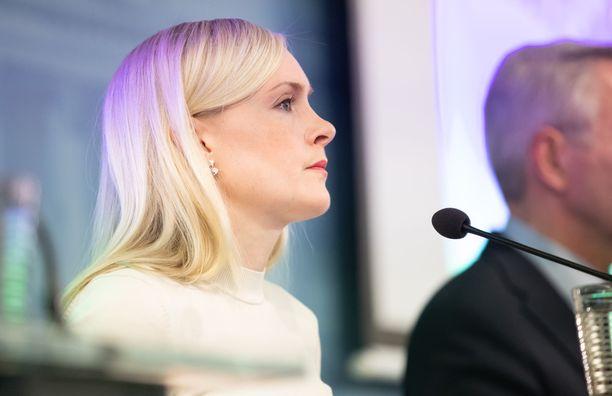 Maria Ohisalo perusteli useaan otteeseen torstain tiedotustilaisuudessa, miksi Suomi ei salli vapaa-ajan matkustusta Ruotsiin.