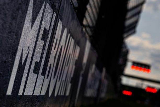 F1-kausi alkaa sunnuntaina Melbournen osakilpailulla.