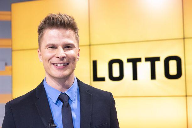 Tuukka Raitala pitää myös omaa Youtube-kanavaa nimeltä Näyttelijänelämää.