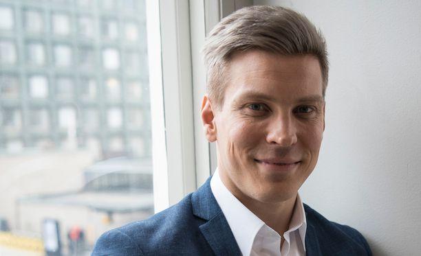Antti Holma sanoo Iltalehdelle olevansa vielä hellänä tiistain hoitojen jäljiltä.