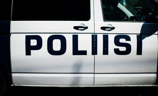 Poliisin mukaan kiinniotettava sai ampumahaavan jalkaansa eikä hänellä ole hengenvaaraa. Kuvituskuva.