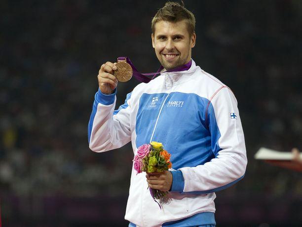 Ruuskasen nappasi ensimmäisen arvokisamitalinsa Lontoon olympialaisissa 2012. Kaulaan lyötiin pronssia, joka kirkastui myöhemmin hopeaksi.