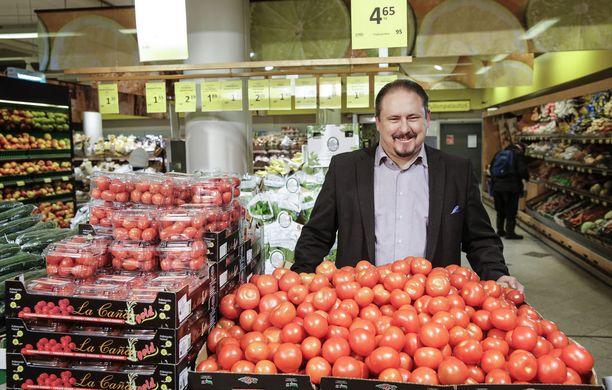 SOK:n kaupallinen johtaja Ilkka Alarotu kertoo tiistaina selvitelleensä, miten olisi voinut käydä niin, että S-ryhmän sisäänostajat olisivat vaatineet vihannestuottajilta hintojen laskua Pohjanmaalla.