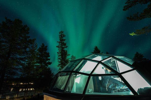 Lasi-iglut ja revontulet kiinnostavat Suomen-matkaa pohtivia ulkomaalaisia. Iglut vetoavat myös revontulikauden ulkopuolella.