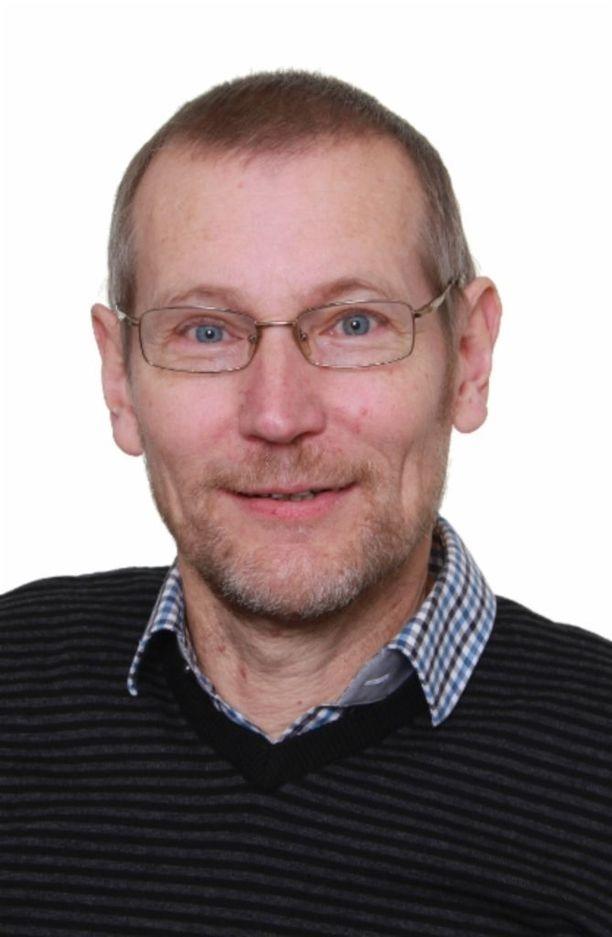 Kristillisdemokraattien entinen kansanedustaja Ismo Seivästö työskentelee pappina ja nostaa sopeutumiseläkettä. Seivästö on nostanut työttömyysetuutta yhtäjaksoisesti vuodesta 2003.