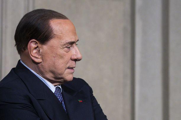 Berlusconi on joutunut sairaalahoitoon.
