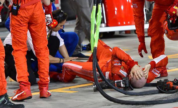 Francesco Cigarini jäi Kimi Räikkösen auton alle Bahrainin GP:ssä.