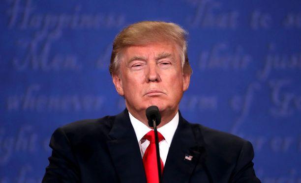 Trump hätkähdytti presidenttiehdokkaiden viimeisessä vaaliväittelyssä sillä, ettei hän lupautunut kunnioittamaan vaalitulosta.
