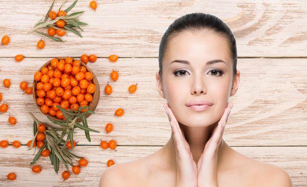 Ihoa ja limakalvoja voi viileällä ilmalla kosteuttaa myös sisäisesti Tyrni-Omega-7+GLA-ravintolisällä.
