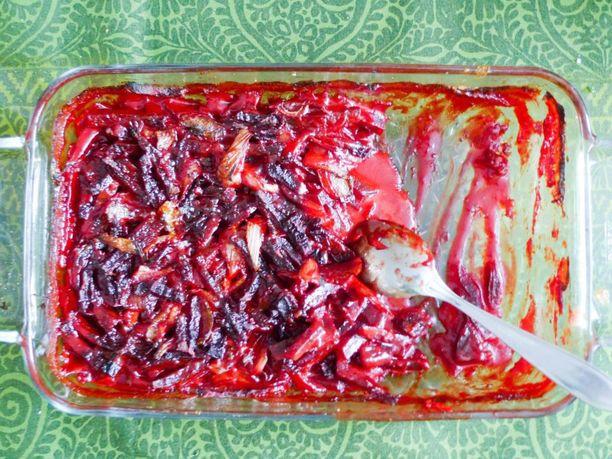 Punajuuri Aurajuustolaatikko