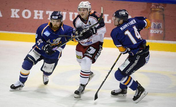 Kiekko-Vantaa pelasi viime kaudella Mestiksen finaaleissa SapKoa vastaan.