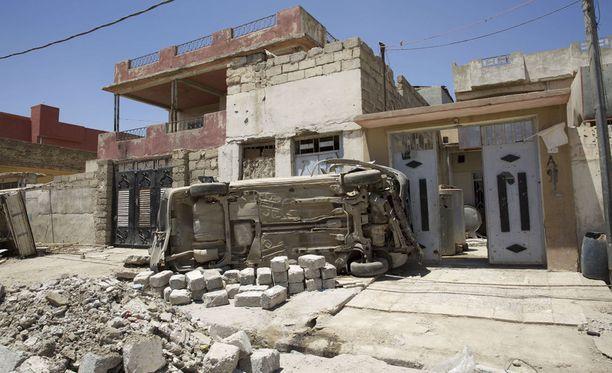 Isisillä on yhä hallussaan Mosulin vanhakaupunki ja useita alueita sen ympärillä. Irakin hallituksen joukot aloittivat suurhyökkäyksen Mosuliin viime lokakuussa.