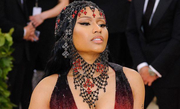 Nicki Minaj, 35, on oikealta nimeltään Onika Tanya Maraj. Hänet tunnetaan esimerkiksi kappeleista Super Bass ja Starships.